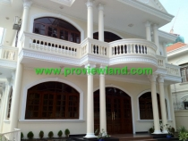 Villa for rent on Dang Huu Pho Street D2