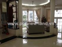Villa for rent in District 1 next to Le Van Tam Park