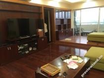 Bán gấp căn hộ 132m2 2PN đầy đủ nội thất Hùng Vương Plaza tầng cao có ban công