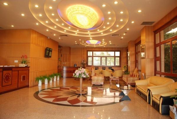 Bán khách sạn Quận 1 dt 8,7x19m - 8 lầu - 38 phòng