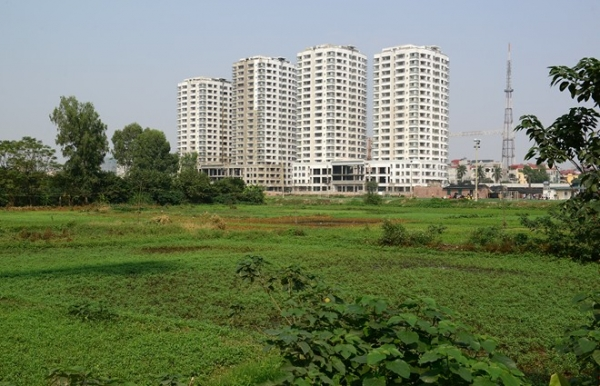 Land for rent  area of 7.6 hectares , fork Cat Lai in District 2