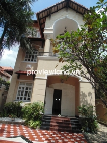 Villa for rent in District 2 on Tong Huu Dinh Street 250sqm 5BRs garden and pool