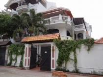 Villa for rent in District 2, beautiful and modern house, attractive price
