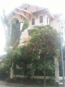 Villas for rent on Tran Nao street with 4 bedrooms, 2 frontages, good price