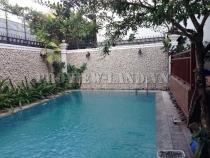 Villa for rent in front of Nguyen Van Huong street,area: 500 square meters, nice pool